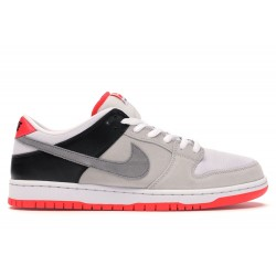 Nike SB Dunk Low Infrared...